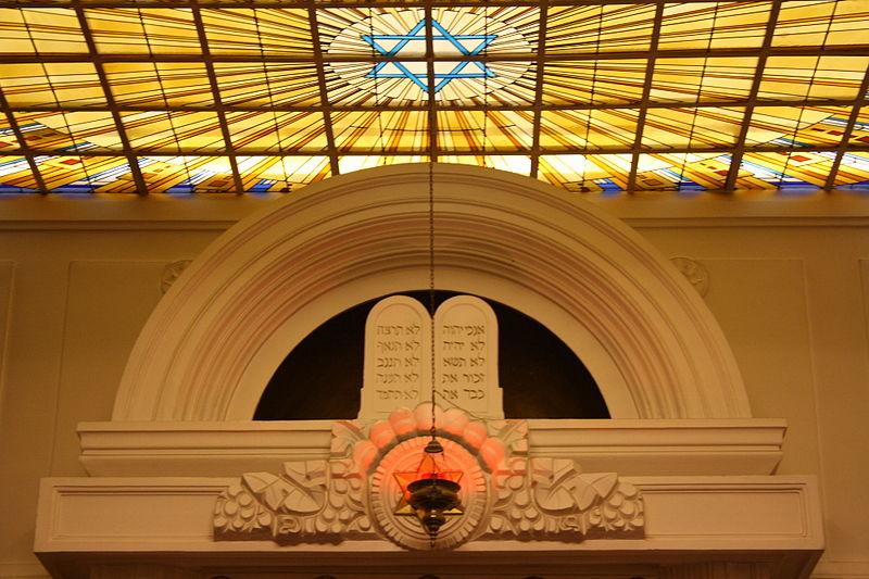 OzTorah » Blog Archive » Ten Commandments – Jewish & Christian views